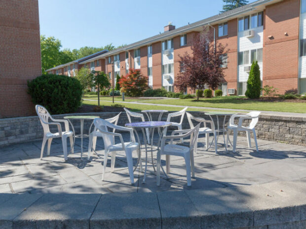 Clintwood Apartments Patio