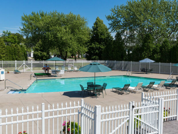 Clintwood Apartments Swimming